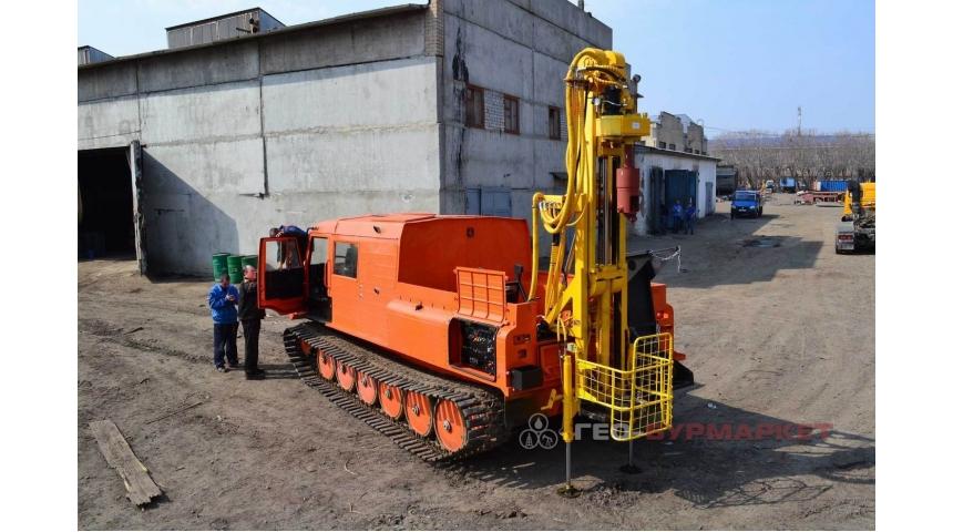 Установка буровая гидромеханизированная УБГМ-1Л на базе снегоболотохода ТТМ-3 ГР